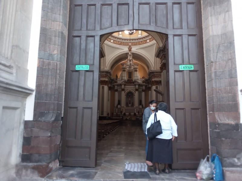 Entre tristeza y molestia, católicos celebrarán a Virgen de Guadalupe