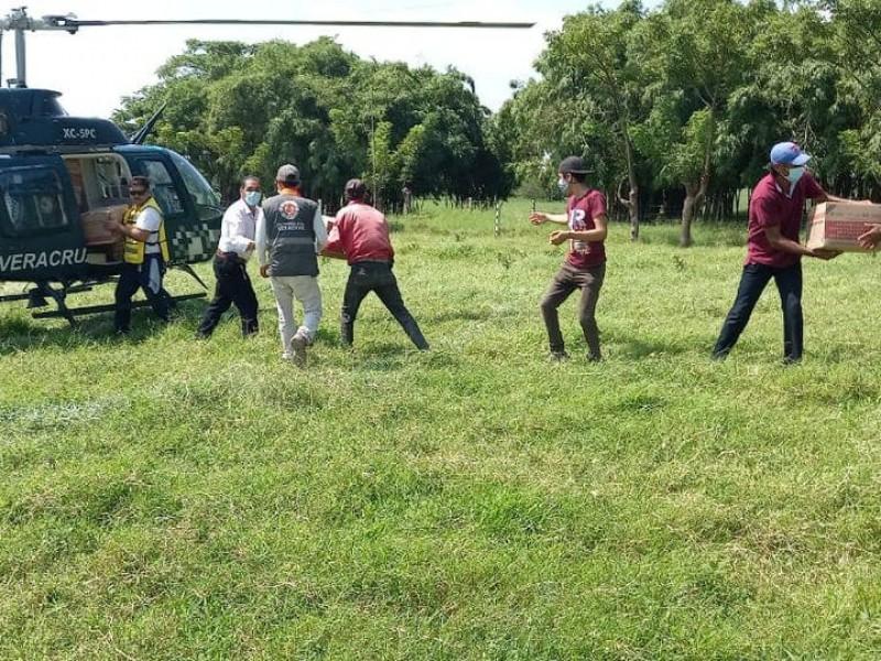 Entrega DIF apoyo a damnificados en Veracruz