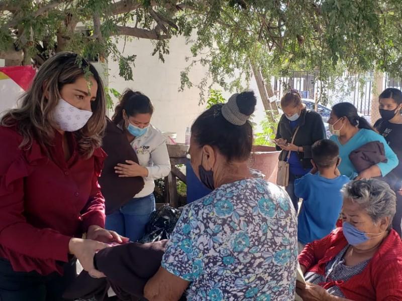Entrega DIF apoyo a familias de la colonia 23 de Marzo