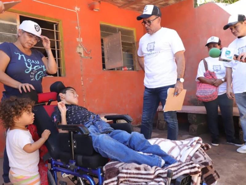 Entrega DIF estatal aparatos a personas con discapacidad