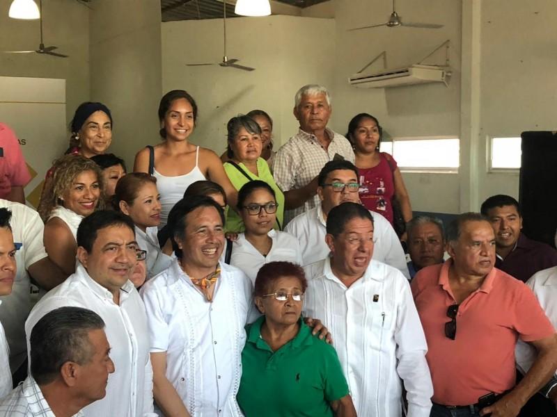 Entrega  Gobernador de Veracruz, Escrituras en Tuxpan