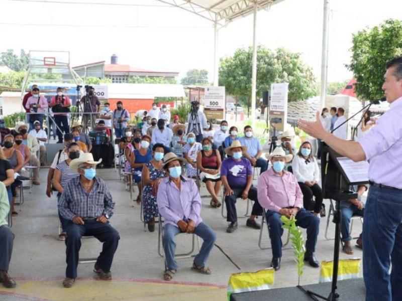 Entrega Gobierno del Estado paquetes tecnológicos a trabajadores del campo