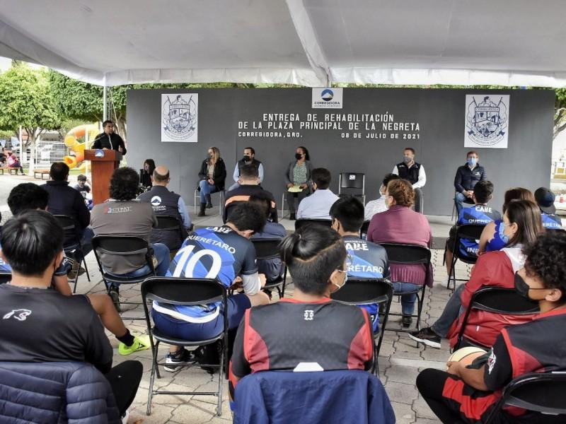 Entrega Municipio Plaza Principal en La Negreta