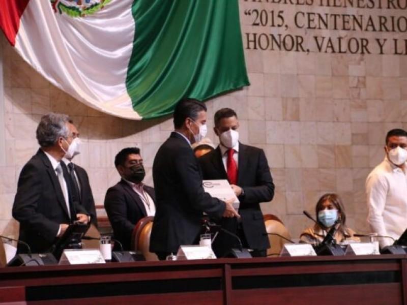 Entrega Murat Cuarto Informe de Gobierno al Congreso de Oaxaca