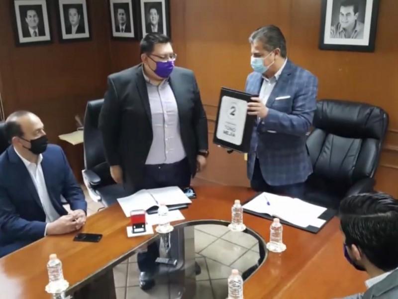 Entrega Toño Mejía segundo informe de actividades en Tequisquiapan