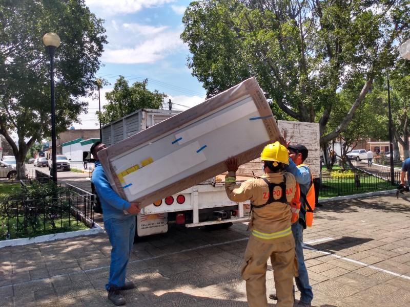 Entregan apoyos a afectados por lluvia en Zapopan