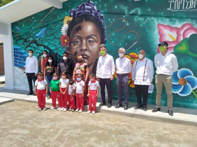 Entregan centro de educación inicial indígena en Santa Cruz Bamba