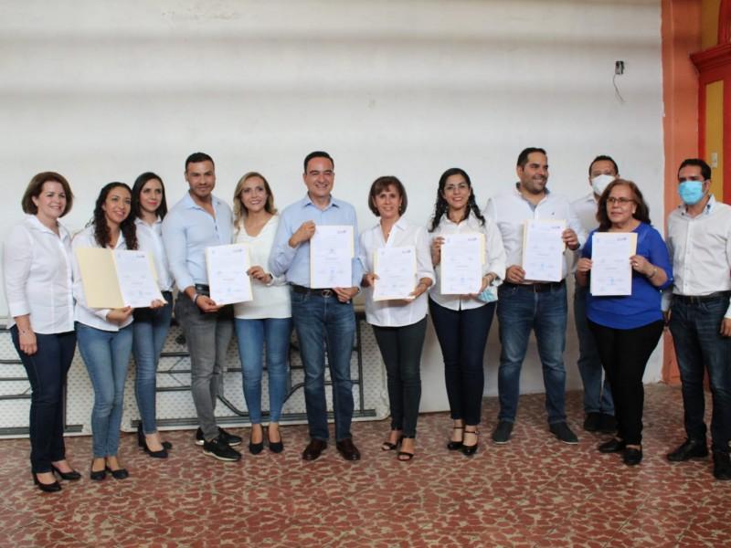 Entregan constancia de mayoría a Carlos Soto como Presidente electo