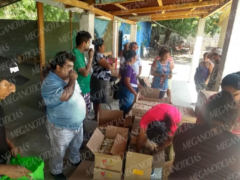 Entregan desayunos fríos a primaria en Salina Cruz