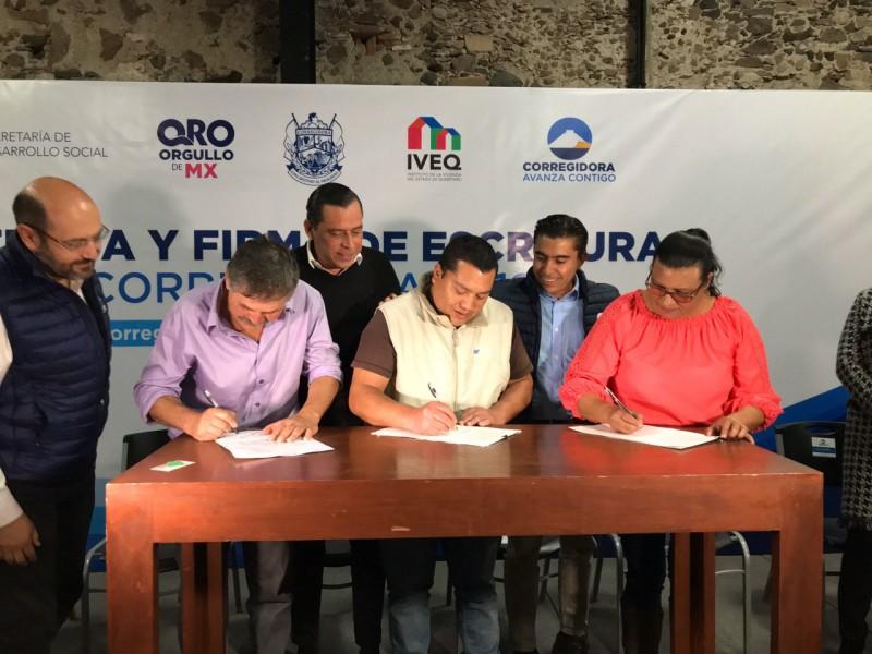 Entregan escrituras en el municipio de Corregidora