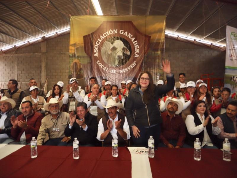 Entregan incentivos de producción a campesinos zacatecanos