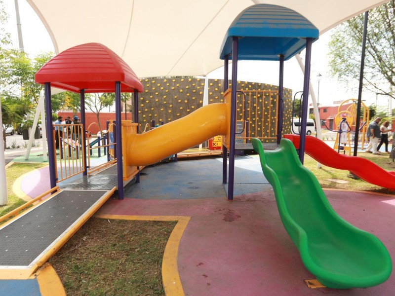 Entregan remodelación de parque en Colonia La Luna