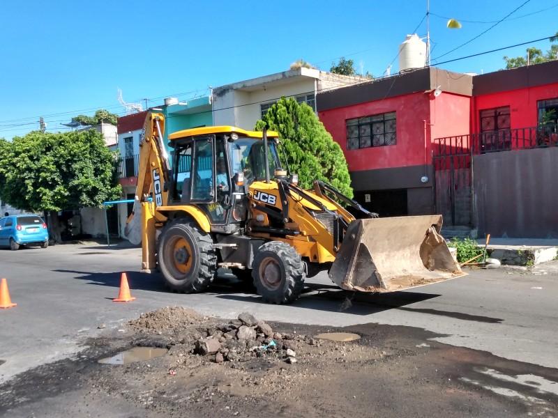 Es reparada la fuga de la calle Tenochtitlan