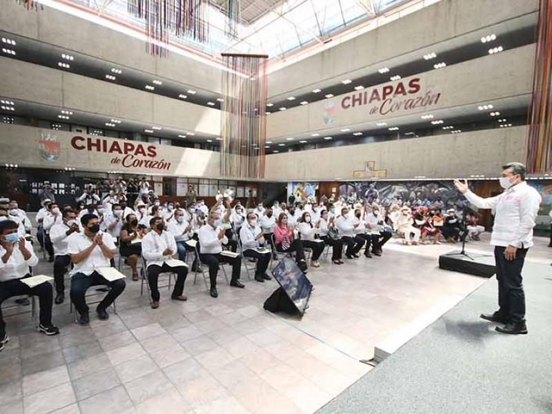 Escandón Cadenas se reúne con alcaldes electos