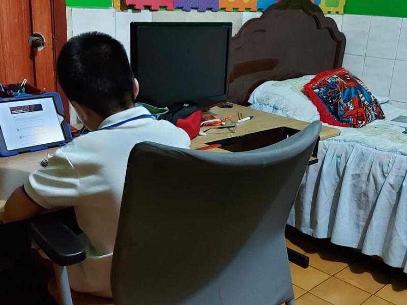 Escasez de tecnología complica educación en casa