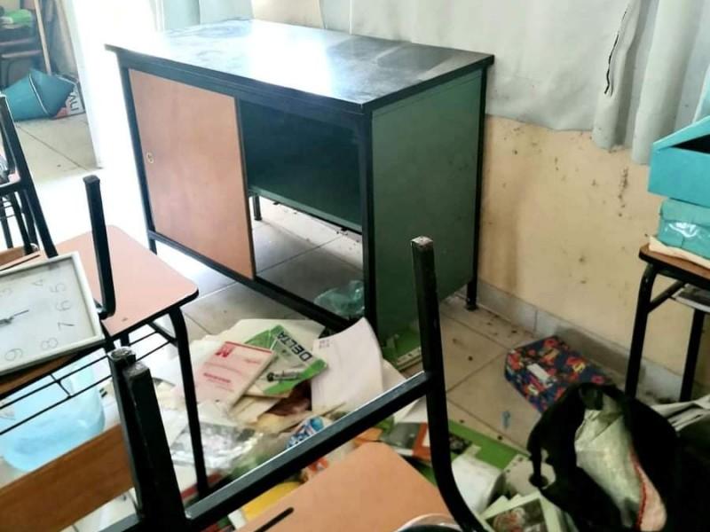 Escuelas carentes de infraestructura y servicios básicos en Zamora