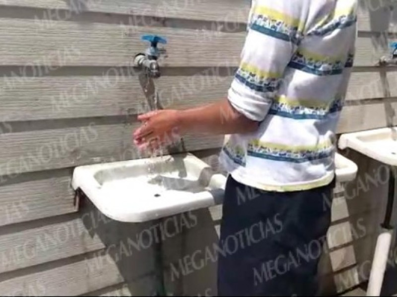 Escuelas de Salina Cruz implementan medidas preventivas contra el coronavirus