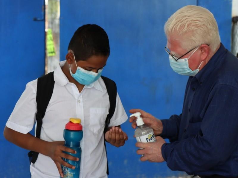 Escuelas reabren sus puertas en El Salvador