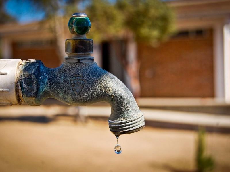 Escuelas sin agua potable; piden ayuda emergente
