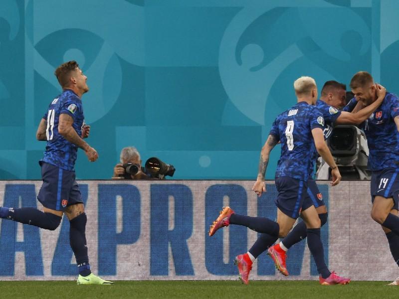 Eslovaquia sorprende a la Polonia de Lewandowski