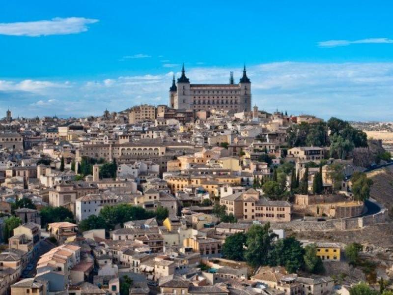 España abre fronteras internacionales a turistas vacunados contra Covid-19