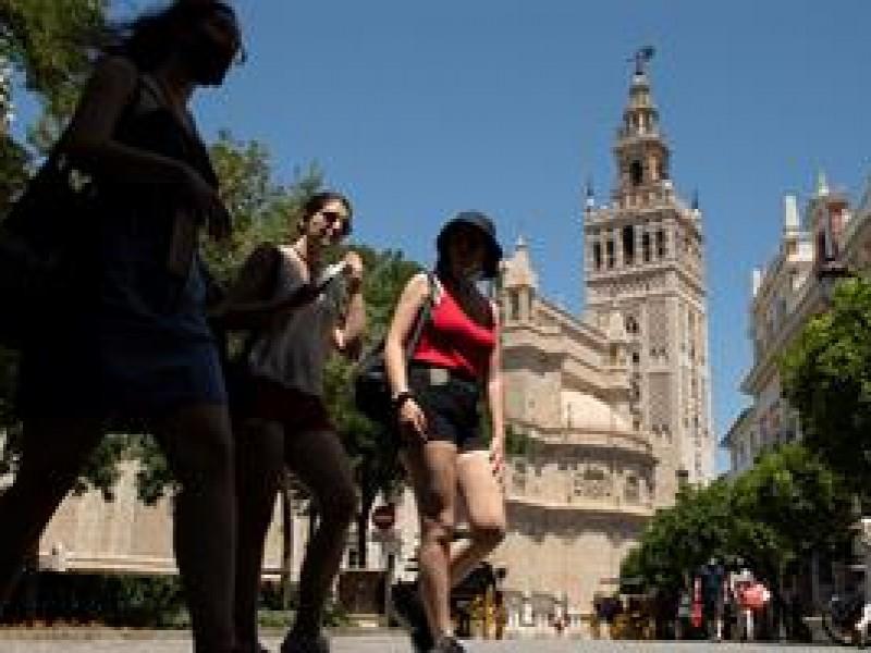 España, cumple su primer día sin mascarillas, tras pandemia Covid.