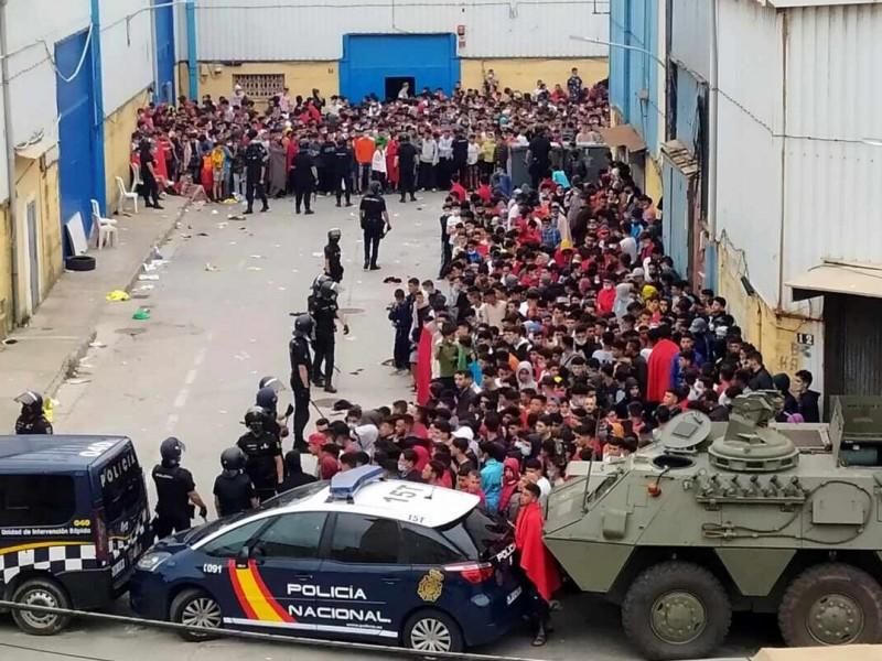 España despliega Ejército tras llegada de seis mil migrantes