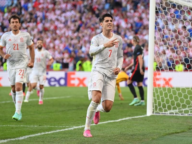 España supera los octavos ante una difícil Croacia
