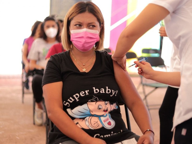 Esta semana continuará vacunación contra COVID-19 para adolescentes embarazadas
