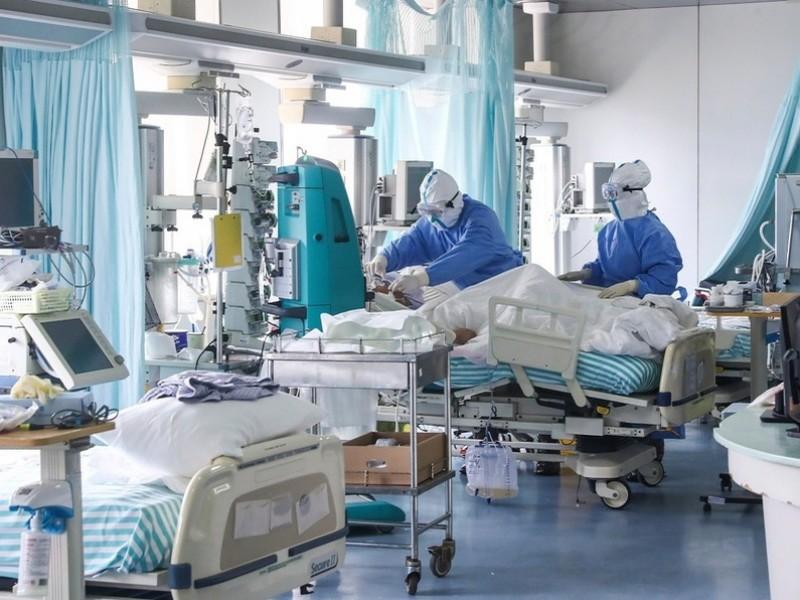 Estados Unidos bate récord de hospitalizaciones Covid-19