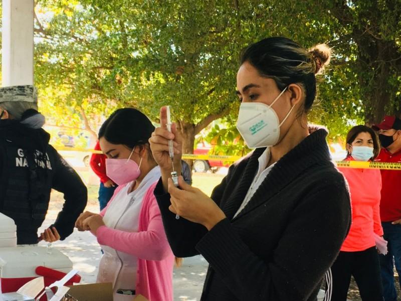Este martes aplicarán vacuna anticovid a docentes de Ahome