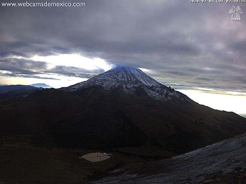 Este sábado, amaneció el Pico de Orizaba cubierto de nieve