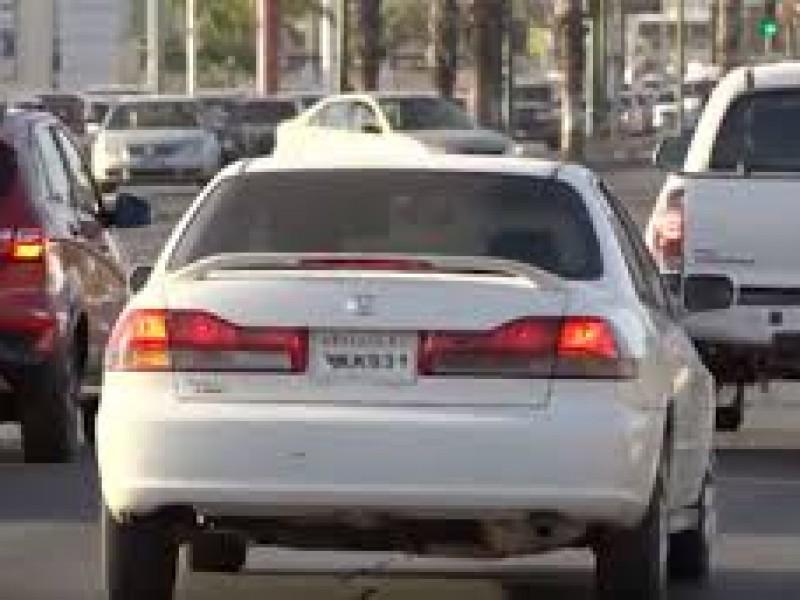 Este sábado se firmara el decreto contra carros irregulares