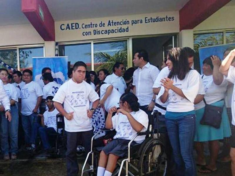 Estudiantes con discapacidad, fuera de estrategia educativa en línea