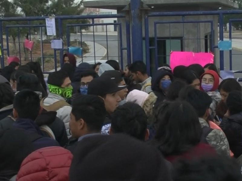 Toman campus UAZ, exigen justicia por acoso