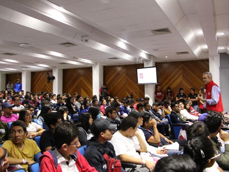 Estudiantes de preparatoria participaron en