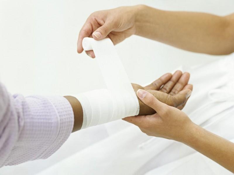 Estudiantes desarrollan gel para tratar heridas
