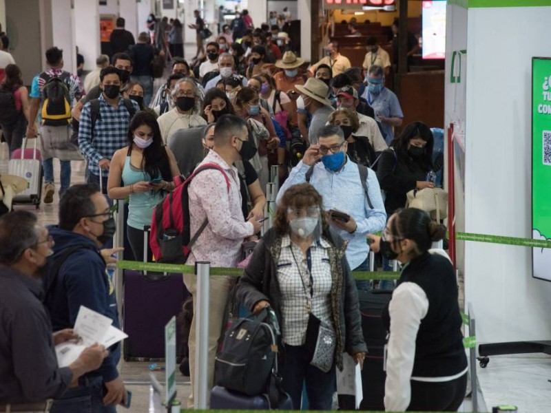 EU baja alerta sobre viajes a México; cambia a