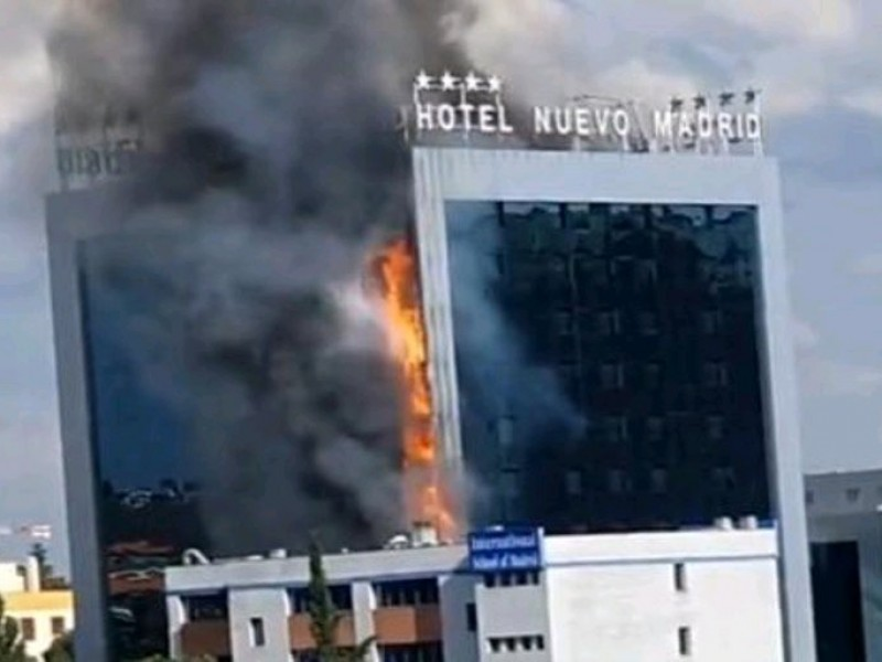 Evacuan a 200 personas por incendio de hotel en Madrid