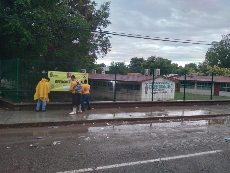 Evacuan a 49 personas en La Constancia tras inundaciones