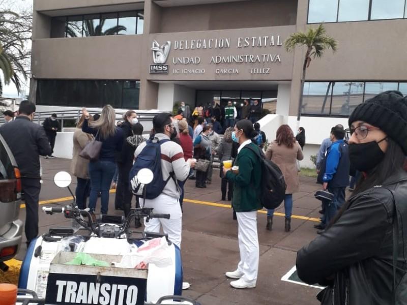 Evacúan el Seguro Social en Cajeme por sismo