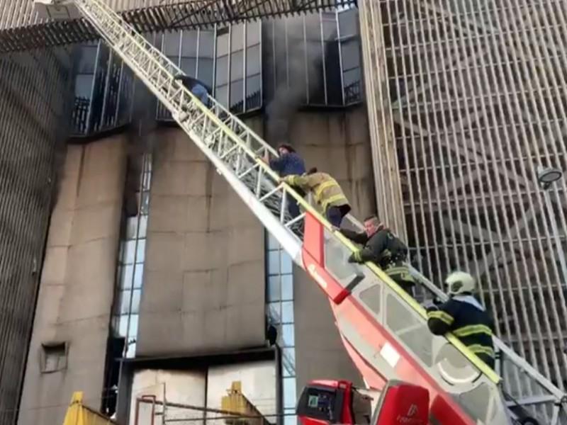 Evalúa el Metro con CFE restablecimiento del servicio tras incendio