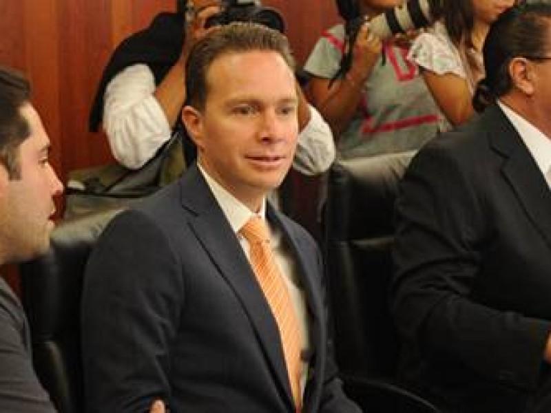 Evidencian presunto desvío de recursos de Manuel Velasco