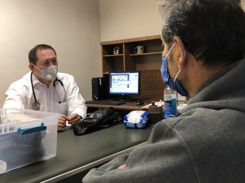 Evoluciona paciente de 61 años con COVID-19