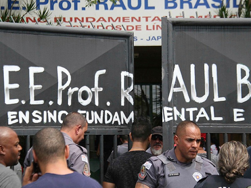 Exalumnos realizan matanza en colegio de Brasil