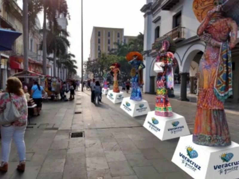 Exhibirán catrinas gigantes en el zócalo de Veracruz
