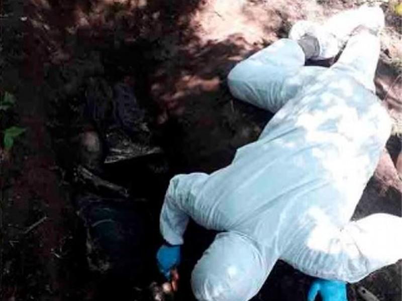 Exhuman 9 cuerpos de fosas clandestinas; hay dos detenidos