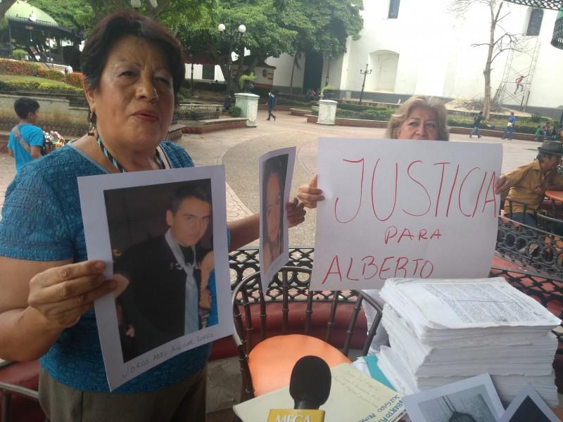 Exige justicia para su hijo asesinado