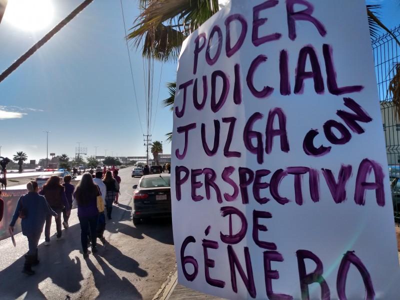 Exigen a las autoridades justicia por feminicidios
