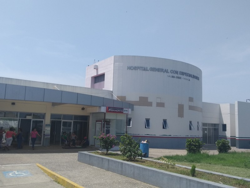 Trabajadores exigen pruebas covid en hospital de Salina Cruz